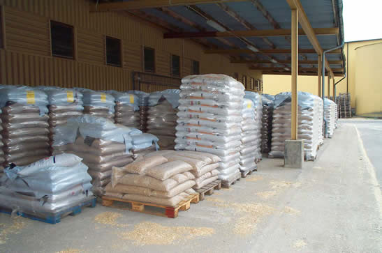 wood pellets packing
